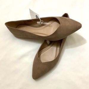 Women's pointed flats